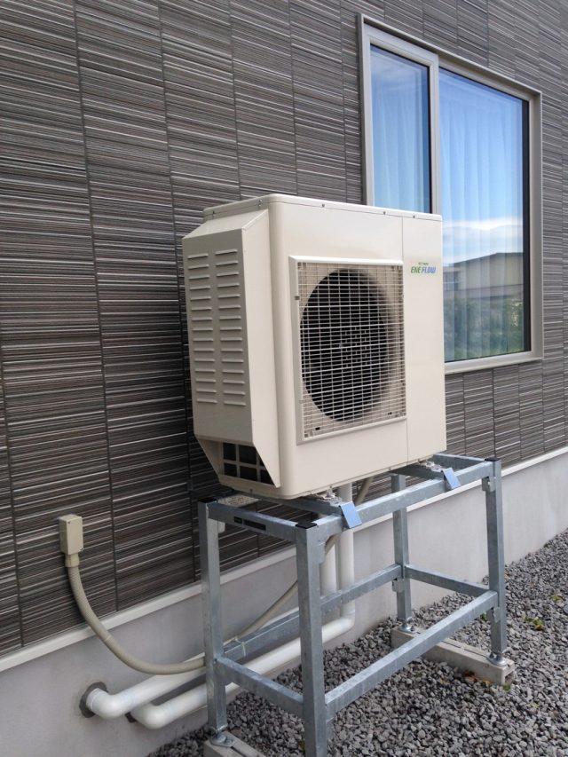 寒冷地の仕様の室外機の架台