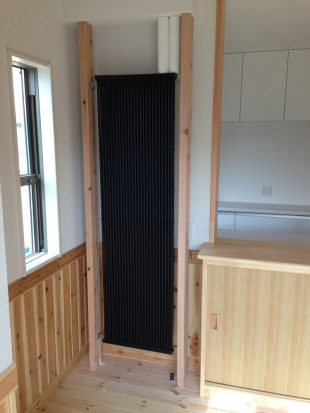 1階ダイニングのクール暖パネル
