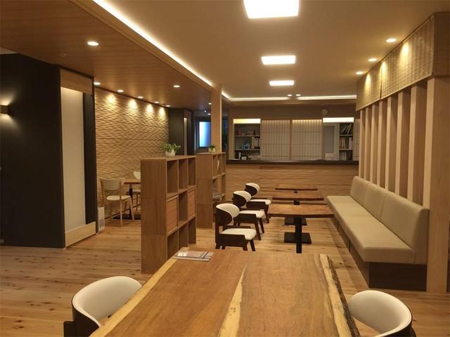 喫茶店のような共用スペース