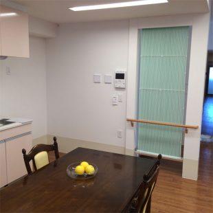 共用スペースには間仕切り設置型としてのクール暖パネル