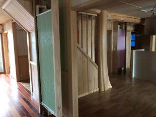 廊下に設置したクールダンパネル