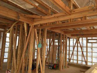 木造在来工法2階建クール暖配管状況